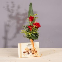 Montblanc: 3 Rosas Rojas, Bombones y Jarrón