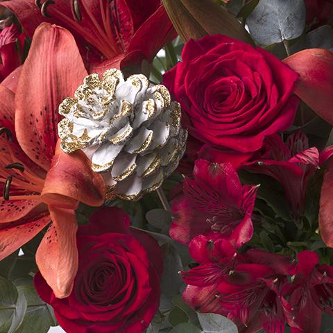 Samt: Rote Lilien und Rosen
